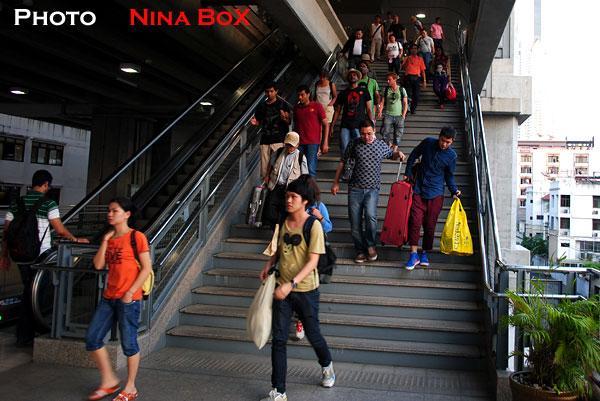 phayathai station problem at airport link
