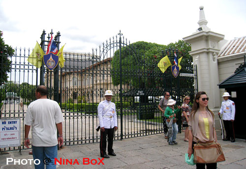 the gate to inner court of royal grand palace